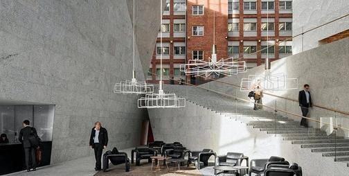 看看芬兰这栋总部大楼,没想到中庭还能这样设计!